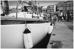 Vieux Port  @  Marseille (sunnybille) Tags: 2015 canon marseille frankreich france sw bw nb perspektiven details vieuxport boote boad streetart
