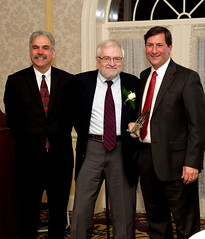 Dr. David McDevitt, Ph.D. (center) received the Anna Freeman Davies Founders Award, presented by Executive Director Rob Kutzik (left) and Dr. Joseph DiMauro.