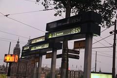 Track 4 Amsterdam Centraal (busdude) Tags: gvb platform signage amsterdam centraal gemeentelijk vervoerbedrijf