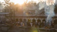 Cremation at Pashupatinath Temple... (Kompakin Borwornpakramil) Tags: kathmandu centraldevelopmentregion nepal np pashupatinathtemple canon 1dx markii availablelight ef2470mmf28liiusm people streetphotography hindu cremation