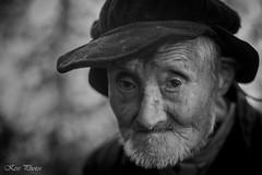 Long life (KESS Photos) Tags: china portrait retrato man old sadlook sad nikon d750 blackandwhite blancoynegro bw bn bnw gente people persona hombre señor monocromático