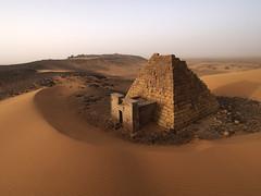 Meroe Archaeological Site I - 40382 (opaxir) Tags: archaeology pyramid sudan nubia pap kush meroe meroitic