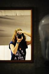 Click (Thile Elissa) Tags: me espelho nikon foto yo eu io click fotografia reflexo watashi d5000 nikond5000 thileelissa