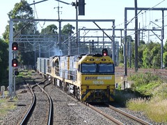 4NY3 interstate (sth475) Tags: railroad autumn train diesel steel sydney railway loco australia container stop nsw locomotive ge signal freight nrc pn shortnorth ontheline indication goodsline homesignal colourlight goninan nrclass doublelight flemingtion nr36 cv409i