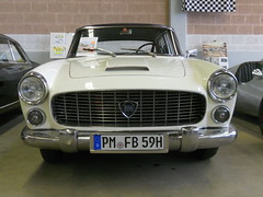 Lancia Flaminia Berlina 2500 (1959) (Transaxle (alias Toprope)) Tags: auto show berlin classic cars beauty car sedan vintage nikon power antique voiture historic coche soul classics oldtimer bella autos veteran saloon macchina limousine coches 2500 lancia voitures toprope antigo bicolor antigos flaminia twotone oldtimershow 4door glien berlina paaren 2013
