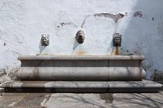 Córdoba (Carlos E. Olmedo) Tags: andalucía fuente córdoba máscaras judería