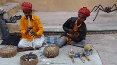 Snakecharmers, Amber Fort, Jaipur (Steve Hoge) Tags: india geotagged jaipur flickruploaded bicycletouring