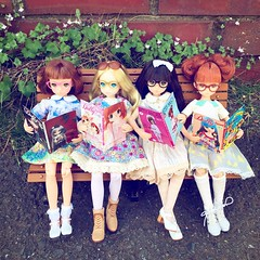 Reading Time 📚👓 Like Mother Like Daughter 💕😆 #ruruko #DollyJapan #glasses #book #miniature #Betsy #doll (cute-little-dolls) Tags: friends bench square outside book miniature doll squareformat iphoneography dollyjapan instagramapp uploaded:by=instagram ruruko