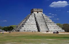 (Alberto Quiñones) Tags: méxico mexico pyramid yucatan chichenitza yucatán castillo chichénitzá piramide elcastillo kukulkan kukulkán xichen pirámidedekukulkán xichén