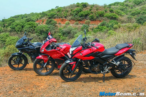 Pulsar-220-vs-Pulsar-AS-200-vs-Hero-Karizma-02