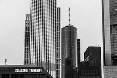 Frankfurt am Main (johannesotte84) Tags: frankfurt hessen main am skyline schauspiel canon schwarz weis otte 24105mm f4 banken viertel deutschland germany