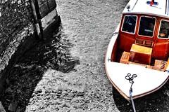 Barca in riva. (Gioorgia13) Tags: trip amazing colour blackandwhite mare italy italia isolabella travel barca sea