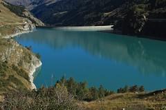 lac et barrage des Toules (bulbocode909) Tags: valais suisse valdentremont bourgstpierre lacdestoules barragedestoules montagnes nature barrages lacs paysages vert bleu