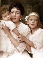 Crown Princess Margaret and children (janetboleyns) Tags: crown princess margaret sweden connaught ingrid denmark bertil edwardian royalty 1910s