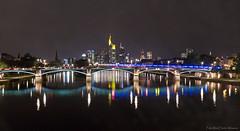 Frankfurt - nchtlicher Notfall (Rita Eberle-Wessner) Tags: frankfurt main nacht night bridge water fluss river brcke ignatzbubisbrcke mainhattan reflections spiegelungen blaulicht hochhuser skyline