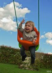 98/366 - Ona (Mnica Quintana) Tags: baby sun sol smile clouds nikon colours colores nia monica nubes gata littlegirl 365 366 d90 project365 nikond90 project366 gataestintolada monicaquintana