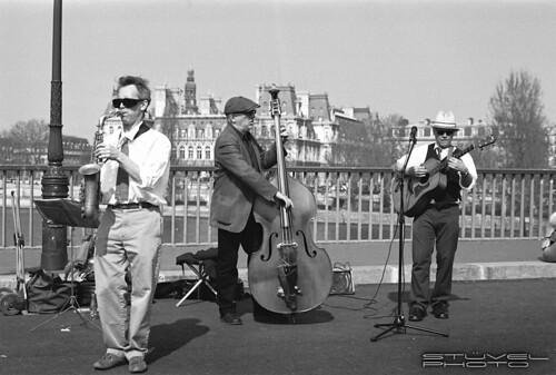 Live jazz on a bridge