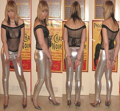 Leggings, Pumps, Lack BH & Netz Top (sklavin-daga) Tags: pumps highheels slut bitch seethrough collar whore hooker leggings slave lack durchsichtig handcuffed schlampe nutte hure handschellen sklavin