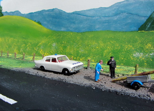 Matchbox Toys Ford Corsair No.45 1965 And Ford Zephyr 6 No.33 1963 Restoration And Conversion : Diorama - 16 Of 93