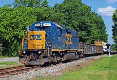 CSX Y102-28 (Reginald T. McDowell Sr.) Tags: st yard florence junction transportation lincoln division job cayce devine csx subdivision gp382 jct csxt eastover y102