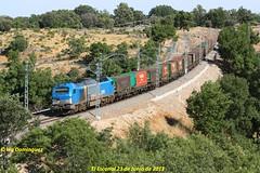 idn2259 (ribot85) Tags: train tren trenes trains escorial 335 mercante mercancias comsa 87740 4000 tramesa 335001