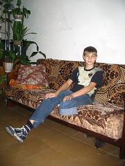 ES amputee boy in sneaker (Proked) Tags: sneakers converse es amputee
