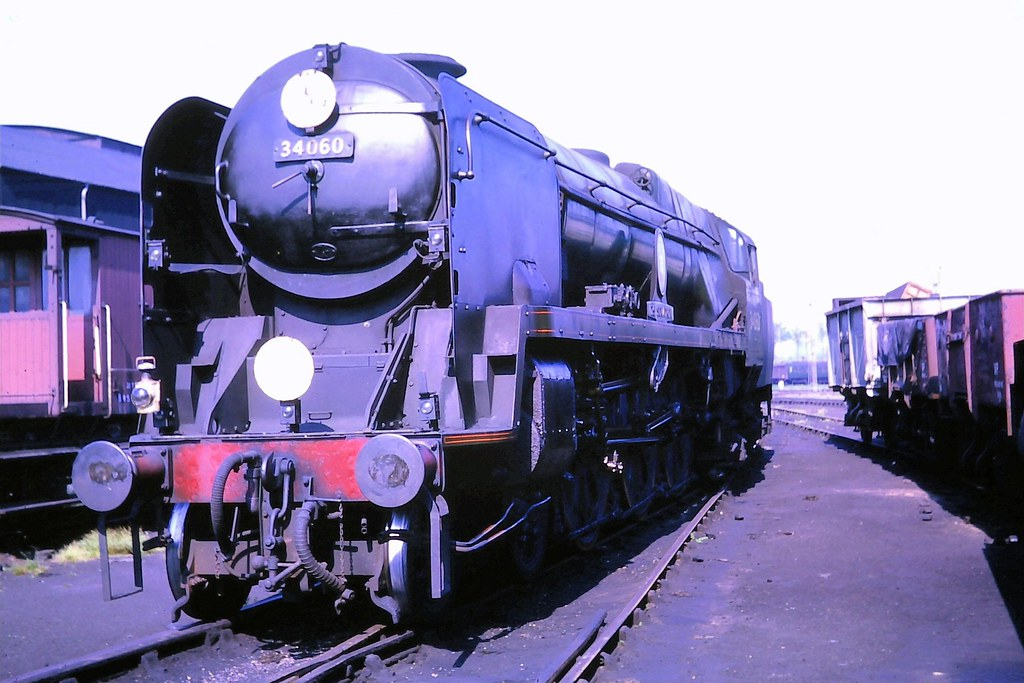 63 091 010663 Laira 34060 (The KDH archive) Tags: plymouth railway 1963  battleofbritain