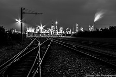 Site industriel de Solvay, Chalamp, France (Etienne Ehret) Tags: light bw black france night canon noir lumire alsace 1855mm nuit blanc usine noirblanc solvay chalamp chimique 1100d