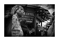 Le Carrousel - Chocolat (Jan Dobrovsky) Tags: street people bw paris monochrome contrast fujifilm carrousel