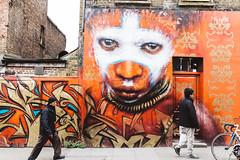 {that look} (Audrey Meffray) Tags: london londres shoreditch graffiti streetart explore eastlondon canon canon6d sigma35mm14art sigma 35mm 35art