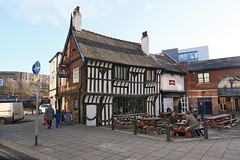 Sheffield, Old Queens Head (Clanger's England) Tags: england gradeiistarlistedbuilding lbs456261 sheffield southyorkshire pub wwwenglishtownsnet thwaites ebb ebi et poe