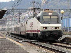 252 (firedmanager) Tags: renfe renfeoperadora railtransport 252 surexpreso tren train trena trenhotel comboiosdeportugal ferrocarril locomotora locomotive siemens talgo