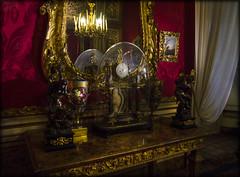 Interno - Palazzo Pitti (celestino2011) Tags: orologio specchio riflesso saleimperialipalazzopitti firenze