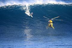 IMG_1654 copy (Aaron Lynton) Tags: surfing lyntonproductions canon 7d maui hawaii surf peahi jaws wsl big wave xxl