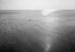Walberswick : tb722/Analogue Pinhole. 2016 (Russell Moreton) Tags: walberswick pinhole film beach light water luminosity holga sun