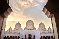 At sunset (pandafundraise) Tags: sheikhzayedmosque abudhabi szmosque outdoors sunset