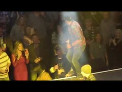 Luke Bryan Interacts with Man Flipping Him Off at Charlie Daniels Volunteer Jam (Download Youtube Videos Online) Tags: luke bryan interacts with man flipping him off charlie daniels volunteer jam