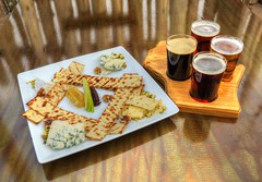 Appetizer and Beer (Tom Mortenson) Tags: wisconsin food beer beersampler ale refreshments canon digital 24105l canoneos canon6d sconnis schofield centralwisconsin marathoncounty geotagged usa northamerica america foodphotography appetizers tasty nourishment midwest beverage bleucheese snacks stilllife