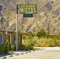Sea&Sun Motel, Salton Sea (philippe*) Tags: california usa sign nikon d2x motel saltonsea