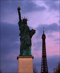Two Worlds... (mau_tweety) Tags: sky paris france tower statue liberty torre eiffel cielo statua parigi libert