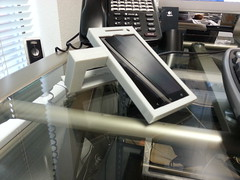 """Desktop Recumbent Office Phone (DROP) - 3D Printed HTC One X Stand <a style=""""margin-left:10px; font-size:0.8em;"""" href=""""http://www.flickr.com/photos/95290524@N03/8785731681/"""" target=""""_blank"""">@flickr</a>"""