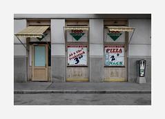 Food Access (LichtEinfall) Tags: wien pizza fassade raki frühstück candi dasrotewien jedentag raperre friedrichengelshof img0318frühstück1800