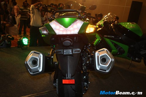 Kawasaki-Ninja-ZX-14R-10