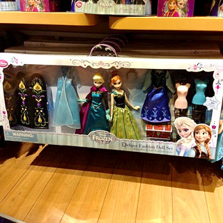 Frozen Deluxe Fashion Doll Set-IN STORES!