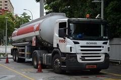 Esso Scania P340 Tanker Truck (nighteye) Tags: truck singapore esso tanker scania p340 xd781z