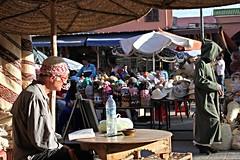 Mystery man in Marrekch (Tina K) Tags: market marrakech marokko streetphotograpy