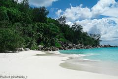 Un angolo di paradiso (johnfranky_t) Tags: sea beach t mare bianca sabbia baia johnfranky