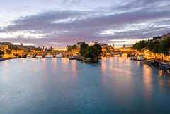 Good morning Paris! (David Khutsishvili) Tags: davitkhutsishvili dkhphoto paris france europe seine river longexposure bluehour morning city architecture  nikon d5100 1855mm sunrise autumn pontdesarts pont neuf