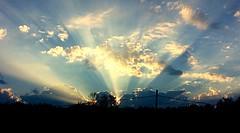 Sunrise (mightyquinninwky) Tags: autumnmorning fallmorning beginningofautumn october fog ohiorivervalley morning sunrise vanderburghcounty southernindiana indiana sunrays rays clouds sun