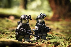 Woodland patrol (yudho w) Tags: lego brickarms soldier army minifigure toyphotography toy